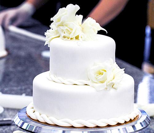 tort pokryty masą cukrową